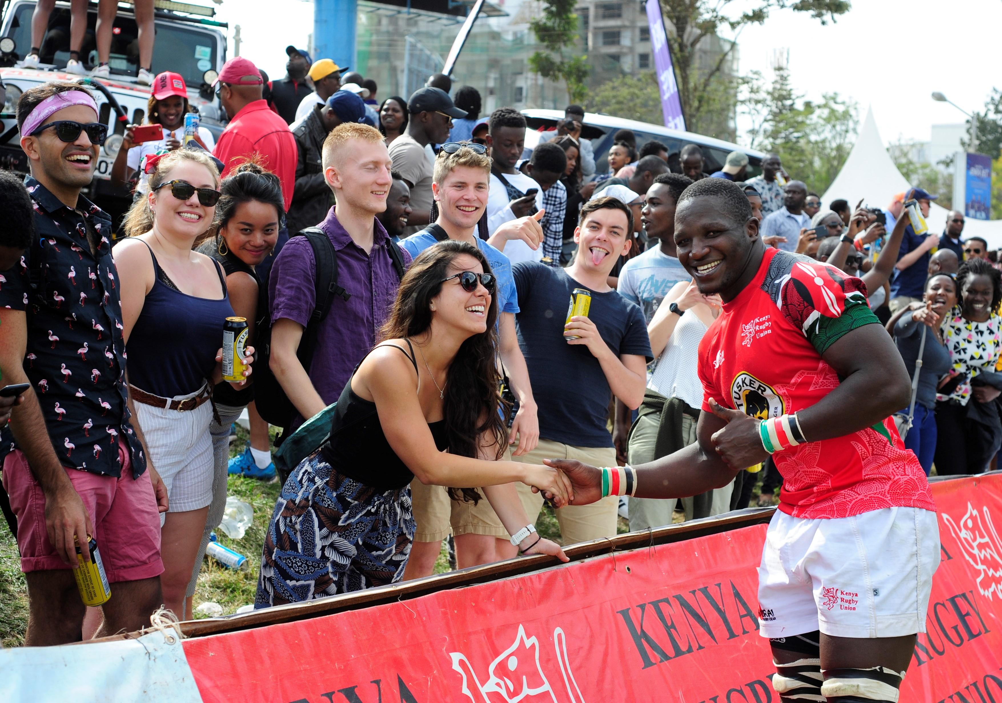 Senegal – Chenge with fans