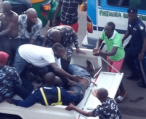 soldiers and civilians dead in road accident 44