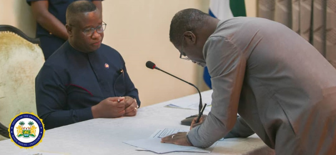president Bio signs performance contract with ministers 2