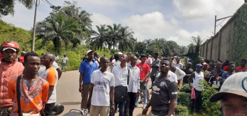Ernest Bai Koroma supporters form human shield to prevent ACC investigators – 08102020