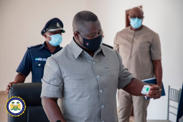 China donates 200,000 COVID-19 vaccines to Sierra Leone2