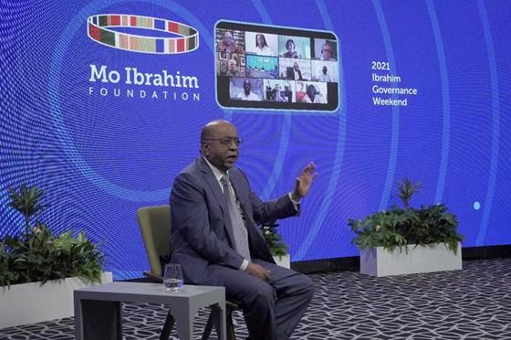 Mo Ibrahim speaking to panellists during the virtual 2021 Ibrahim Governance Weekend