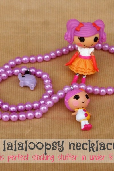 5 Minute Lalaloopsy Necklace and Bracelet Set makes a great stocking stuffer for little girls - or customize it with their favorite character! By The Simply Crafted Life #lalaloopsy #stockingstuffer #necklace #littlegirls