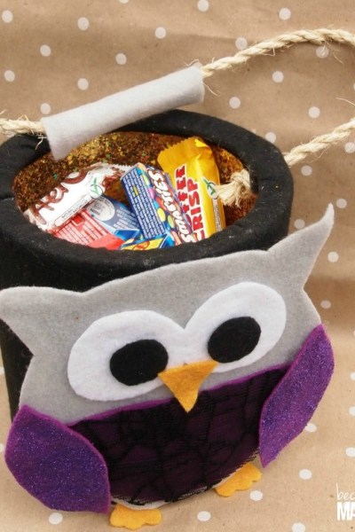 Make this fun and cute owl DIY Halloween Treat Bucket for your little trick or treaters out of a coffee can and felt! Free printable template included!
