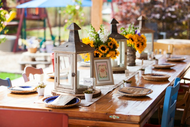 Backyard Party Decorating Ideas   Backyard Party Food Shabby chic can be elegant if executed properly  I love the sunflowers