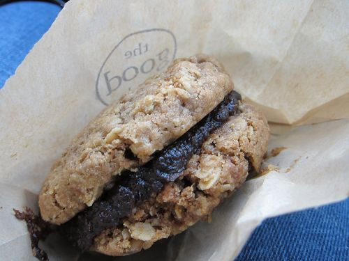 GoodBatch Oatmeal Cookie1
