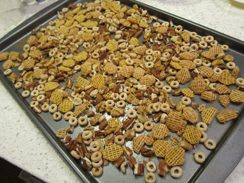 Cereal Nut Crunch Mix Pan