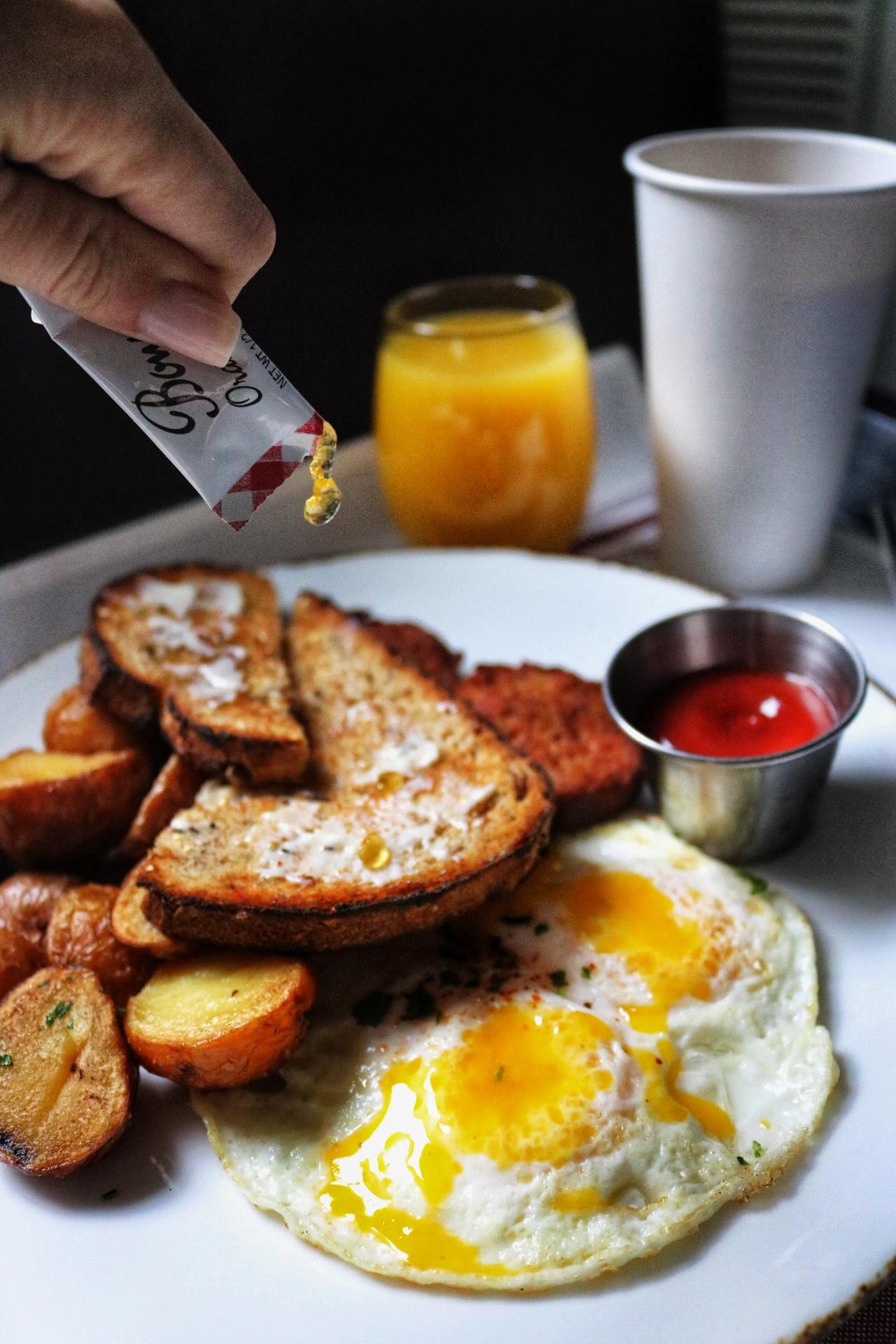 The Godfrey Hotel - Breakfast Chicago