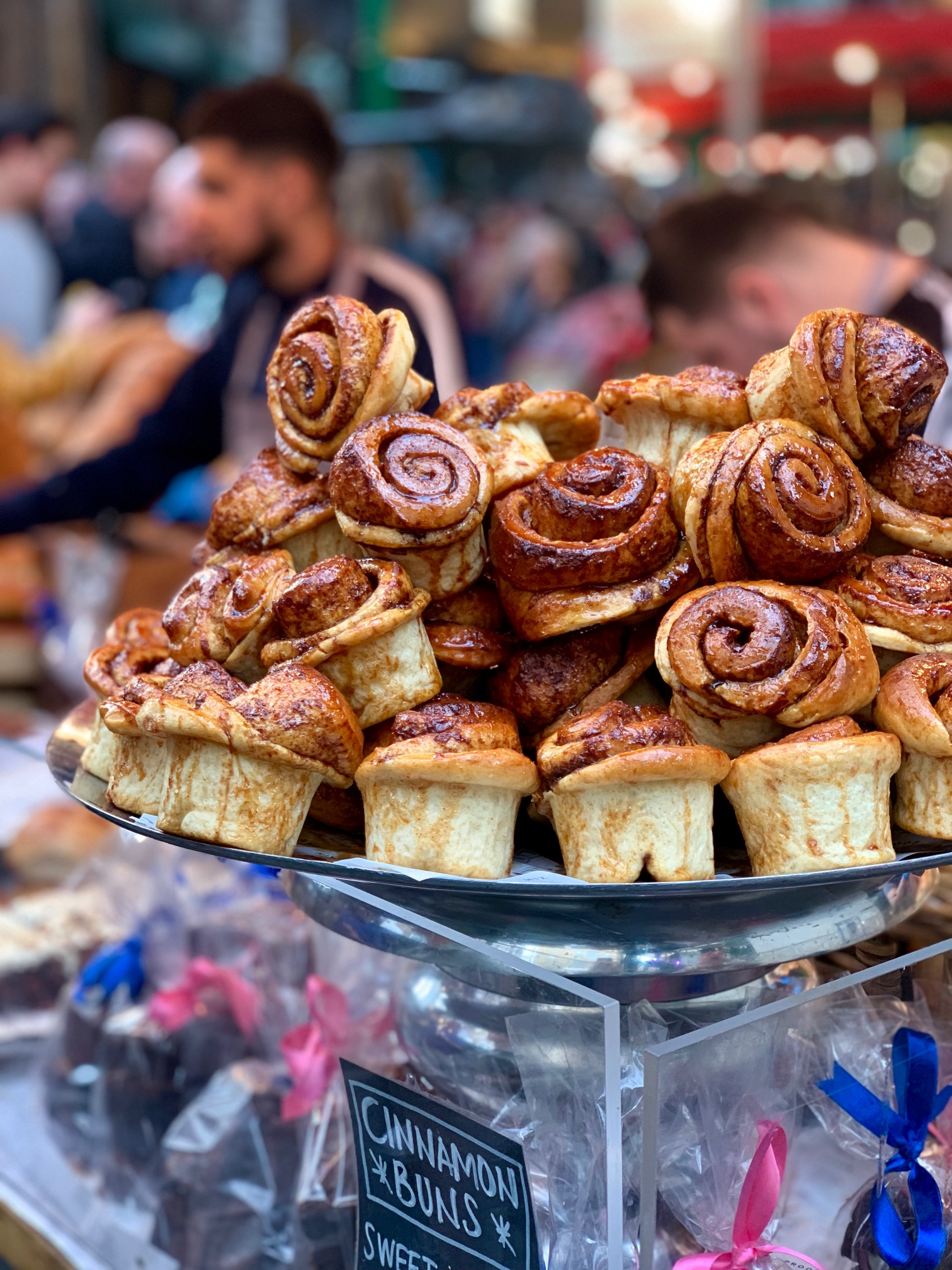 Borough Market - Bread Ahead Bakery (Cinnamon Scrolls)