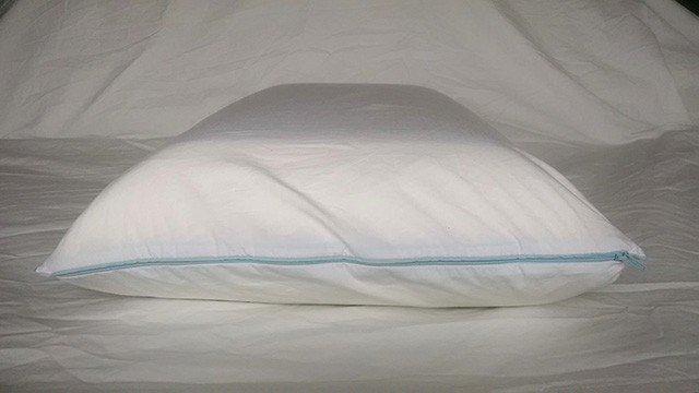 tempur cloud breeze cooling pillow for