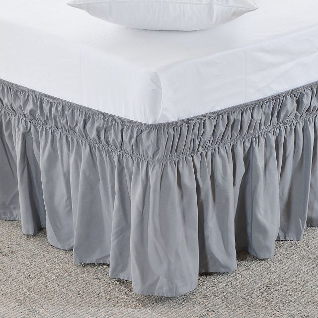 a bed skirt with an adjustable bed