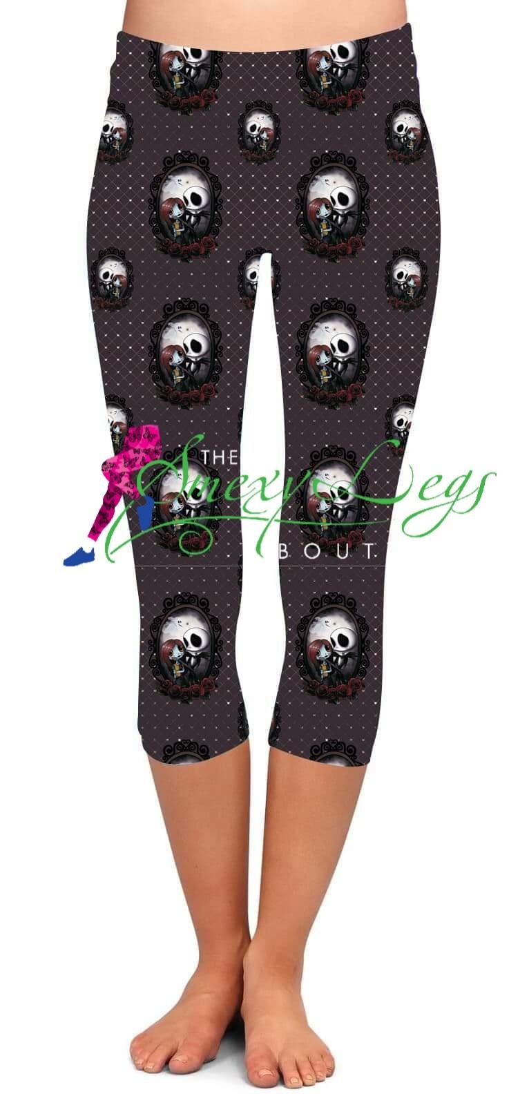 Halloween Town Reflection Printed Capri Length Yoga Band Leggings