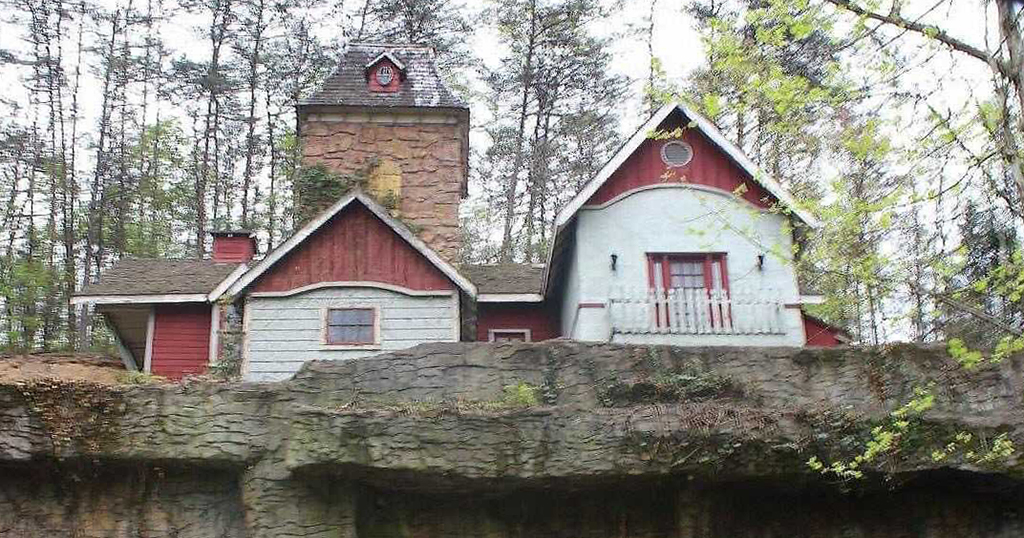 Dollywood Inventor's Mansion