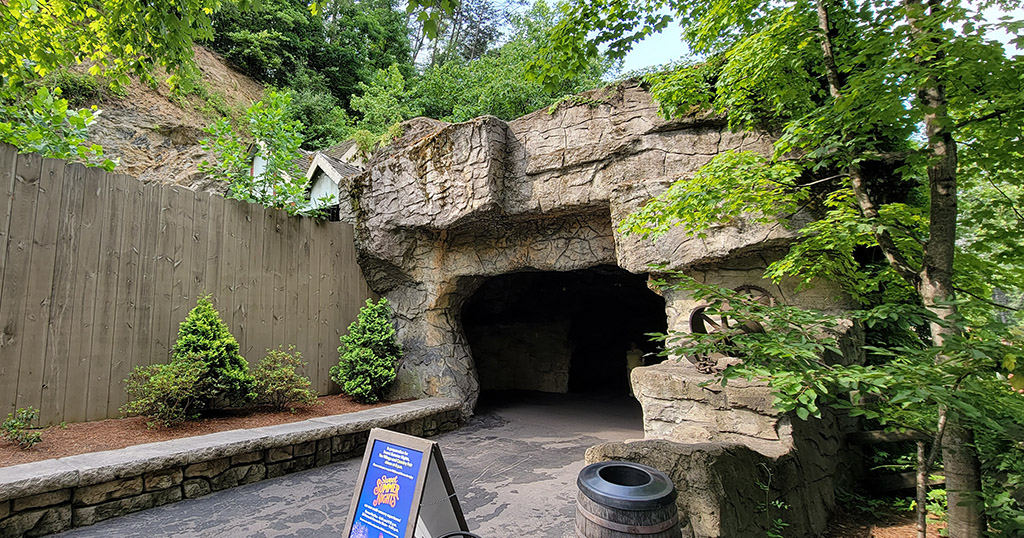 The Dollywood Cave