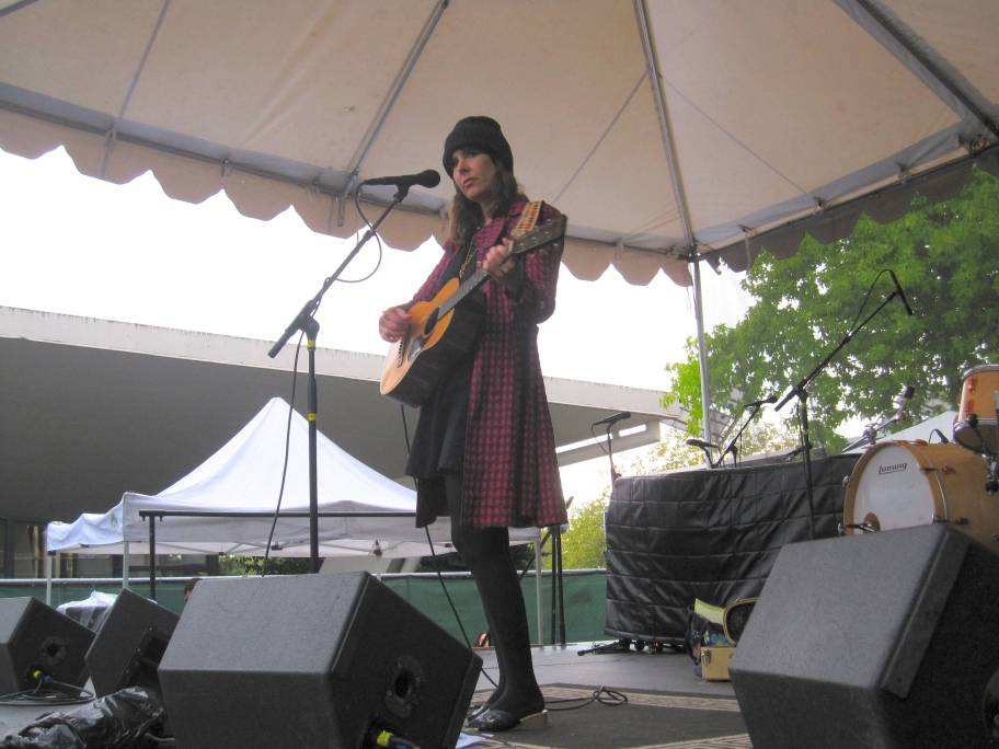 Eleni Mandell at Bumbershoot photo