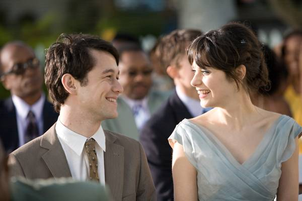 Joseph Gordon-Leavitt and Zooey Deschanel in (500) Days of Summer