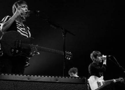 Tegan and Sara concert photo