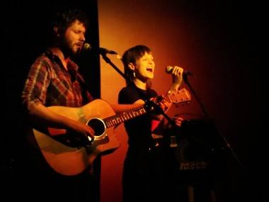 Dan Mangan and Laura Smith photo