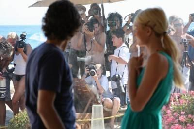 Adrian Grenier and Paris Hilton in Teenage Paparazzo.