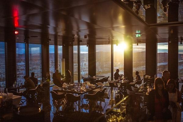 10 Restaurant Management Tips & Software Solutions