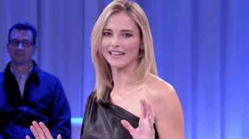 Da noi…A ruota libera: ultima puntata di Francesca Fialdini con gli ospiti Christian De Sica e Claudia Gerini