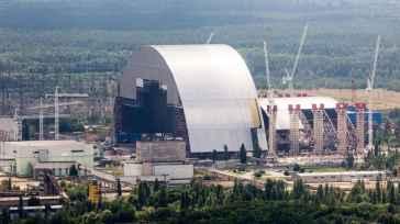 """A Chernobyl il reattore 4 torna a bruciare a 35 anni dall'incidente: fissioni nucleari come """"tizzoni di un barbecue"""""""