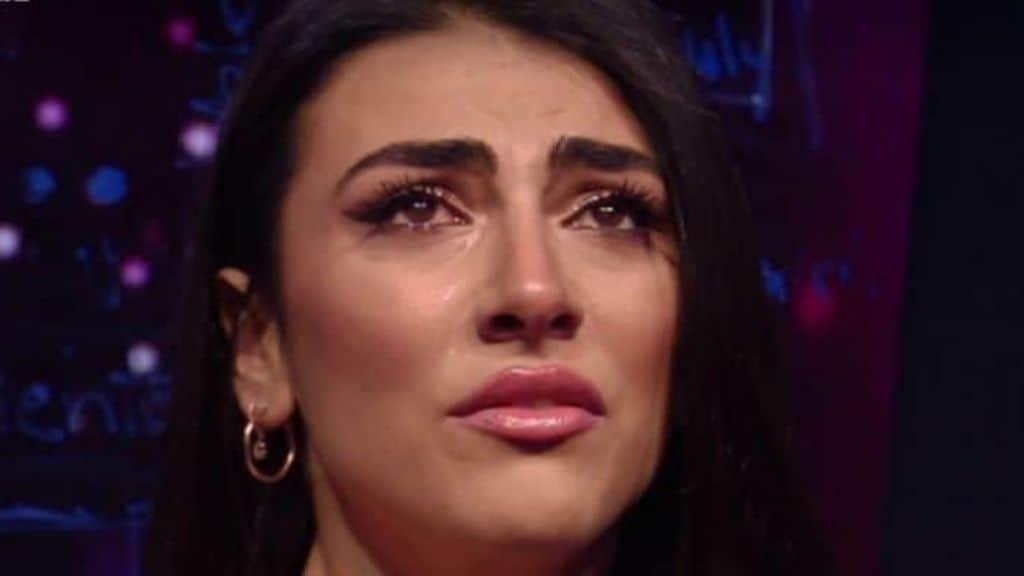 """Lutto per Giulia Salemi, l'ex concorrente del GF Vip sui social: """"Riposa in pace"""", il messaggio per la famiglia"""