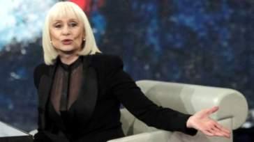 Carramba! Che sorpresa: Rai1 omaggia ancora una volta Raffaella Carrà con un'altra puntata in replica del suo famoso show