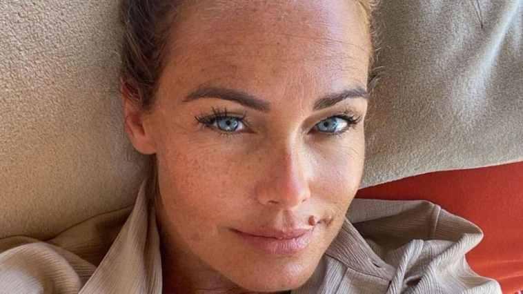 """Sonia Bruganelli verso il Grande Fratello Vip, la replica sul jet: """"Non ostento, vivo la mia vita"""""""