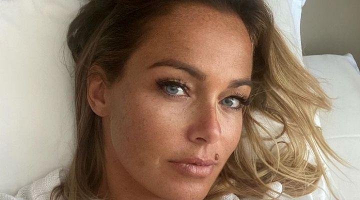 Sonia Bruganelli come nessuno l'ha mai vista: lo scatto della nuova opinionista del Grande Fratello Vip sorprende i fan