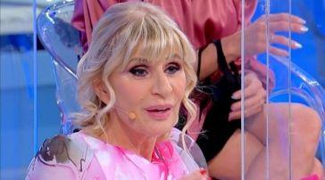 Uomini e Donne anticipazioni 19 ottobre: Gemma Galgani di nuovo presa di mira dall'opinionista Tina Cipollari