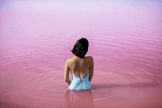 Turquoise water. the science behind the travel pics - The Solivagant Soul