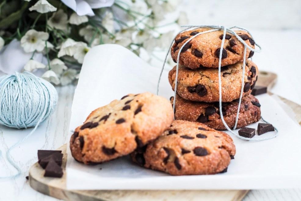 Rezept für saftige Süßkartoffel Cookies mit dunkler Schokolade - vegan, glutenfrei und kalorienreduziert
