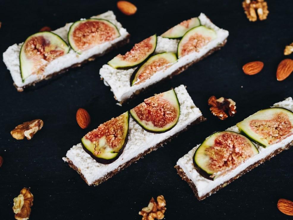 Rohvegane Müsliriegel selbermachen: Raw vegan Coconut Fig Bars