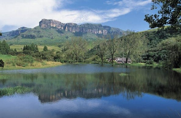 UNSPECIFIED - CIRCA 2003: The foothills of Northern Drakensberg, uKhahlamba / Drakensberg Park (UNESCO World Heritage List, 2000). (Photo by DeAgostini/Getty Images)