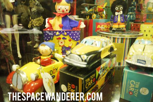 029-tin-toys