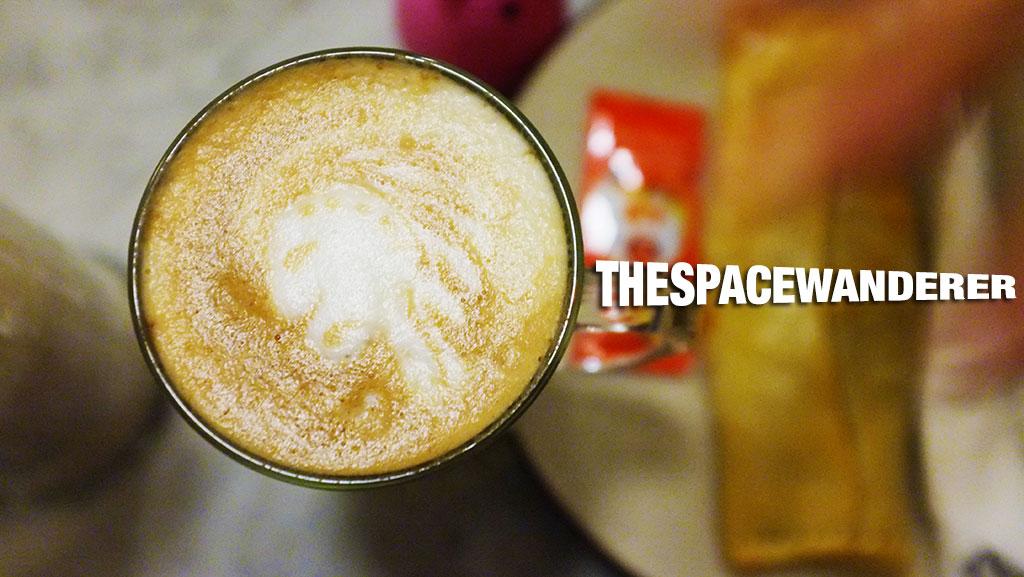 bakoel-koffie-cikini-04-cafe-latte