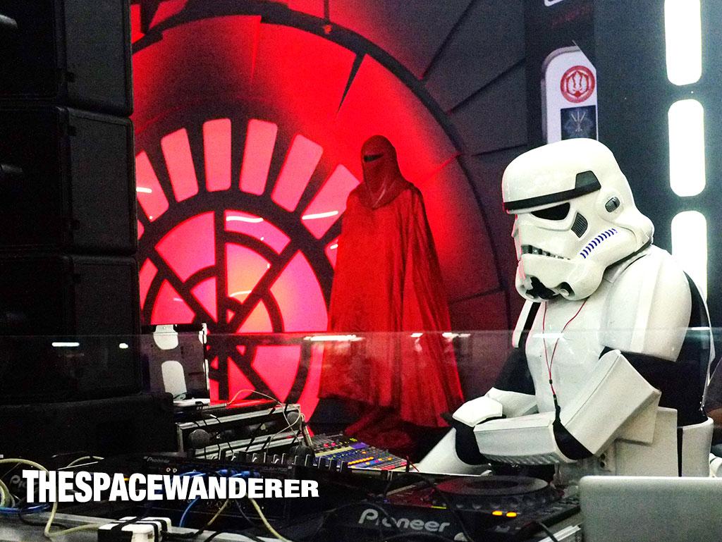 Storm Trooper burn the dance floor