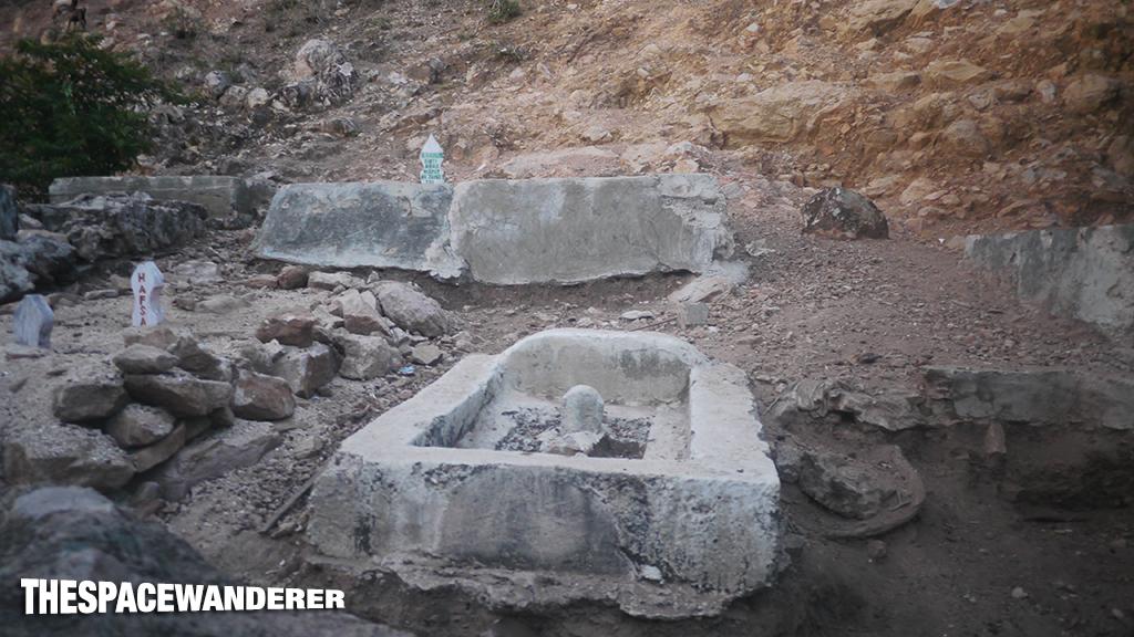 kukusan-island-d1b-22-grave