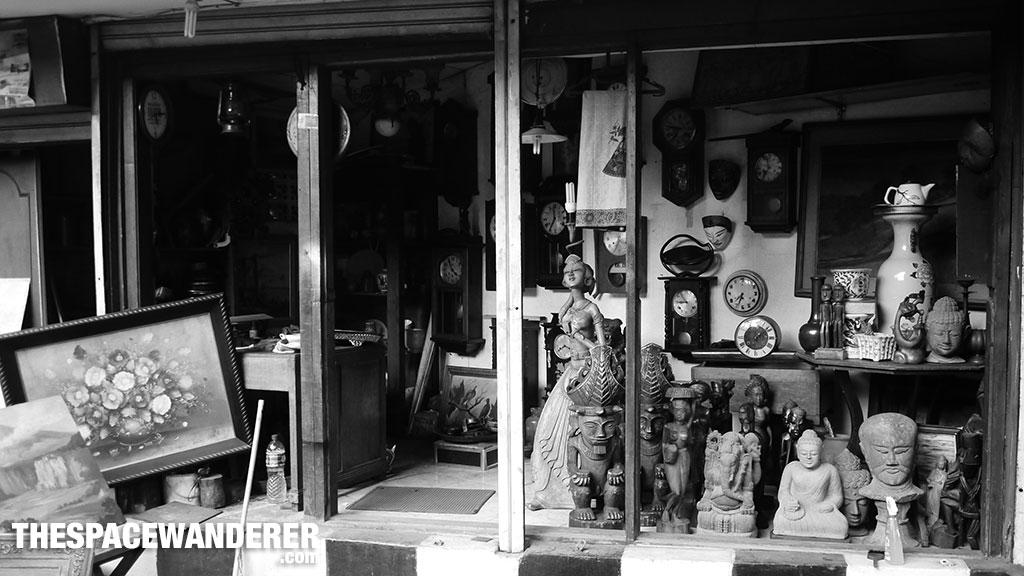 Antiques Jalan Surabaya 1 Agustus 2014