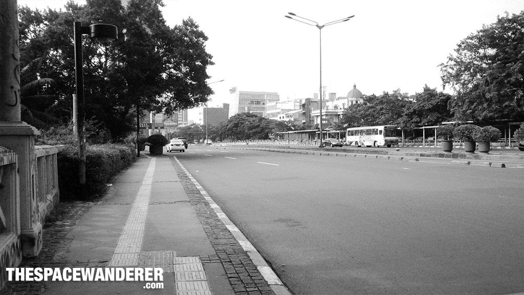 Jalanan masih kosong. 2 Agustus 2014