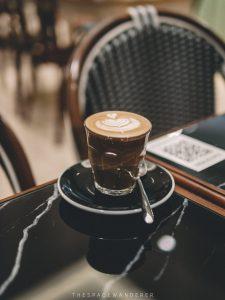 kopi dari cafe sekitar sini