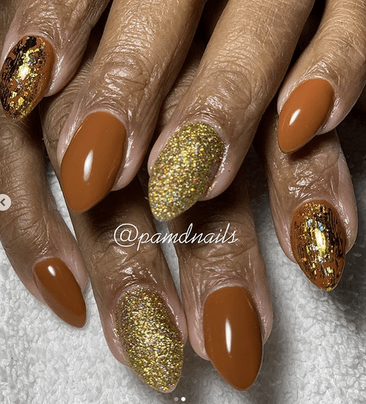 Brown and Gold Glitter Nails for Winter