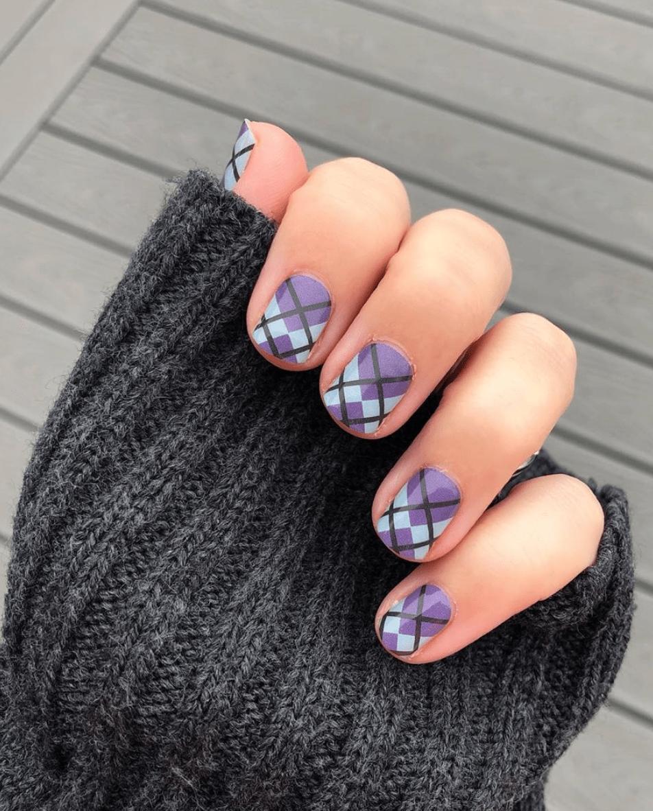 Winter Plaid Nail Design