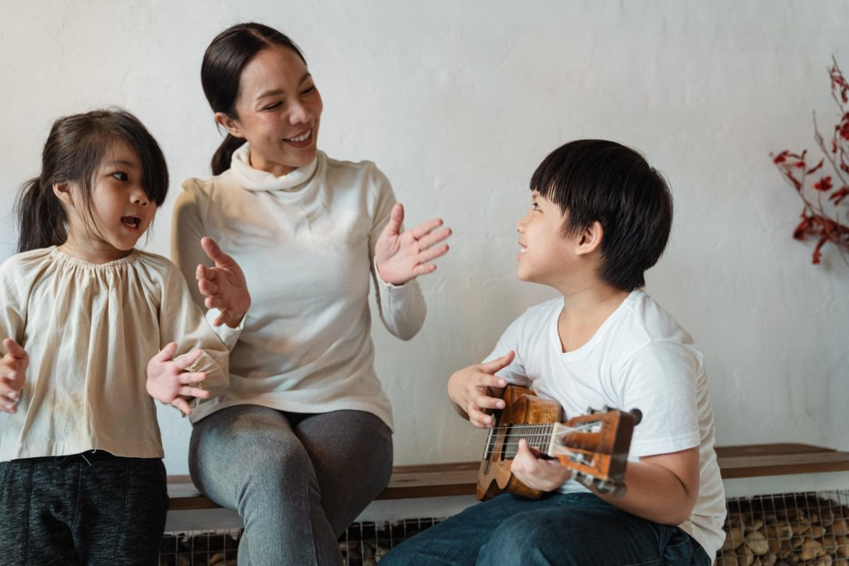 speech therapists for children with hearing impairment