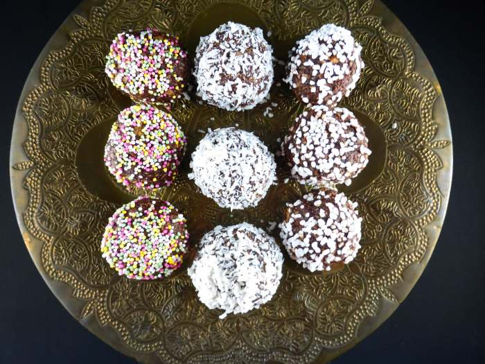 a pictture of three rows of swedish chocolate oat balls