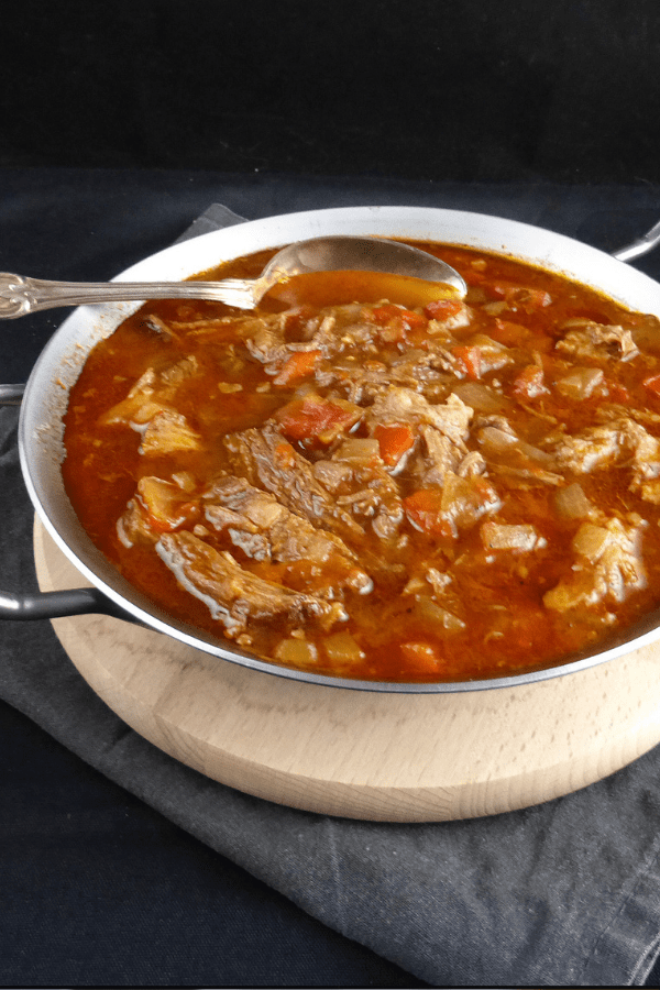 Slow Cooked Shredded Beef with Tomatoes