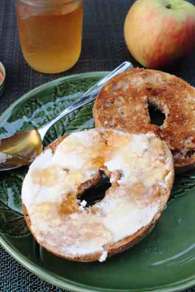 Homemade Apple Jelly #apple #homemade