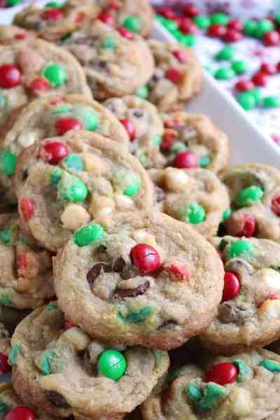 Chewy Holiday M&M Chocolate Chip Cookies 1