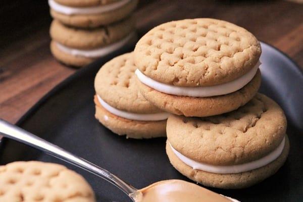 Fluffernutter Sandwich Cookies #NationalPeanutButterDay